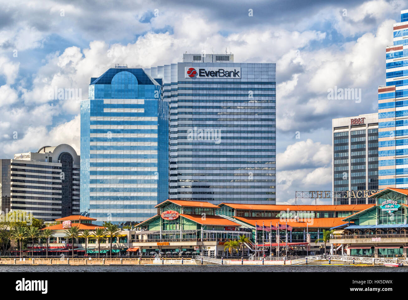 Jacksonville Landing, upscale downtown shopping and restaurant center in Jacksonville, Florida. - Stock Image