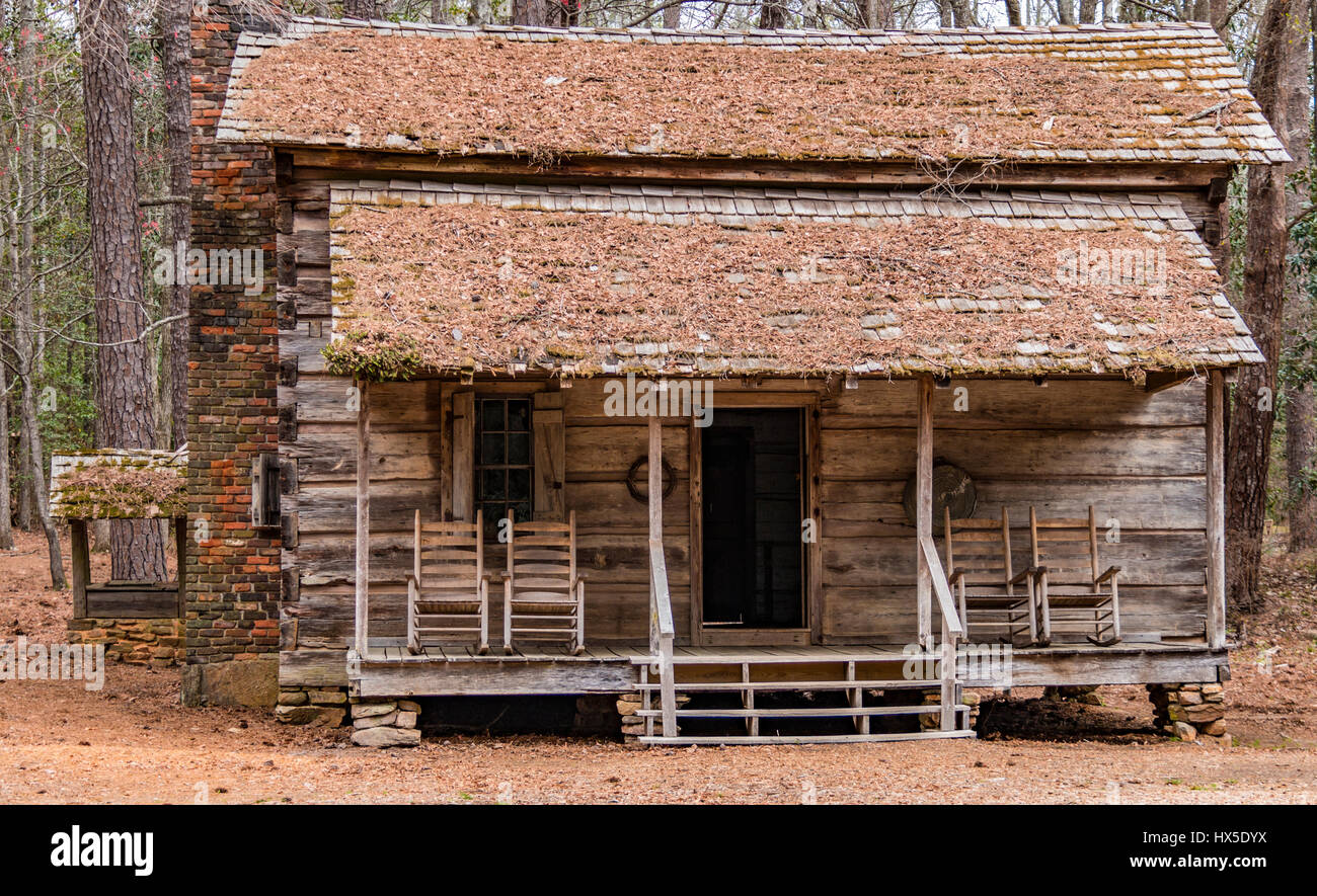Frontier Log Cabin Stock Photos & Frontier Log Cabin Stock Images ...