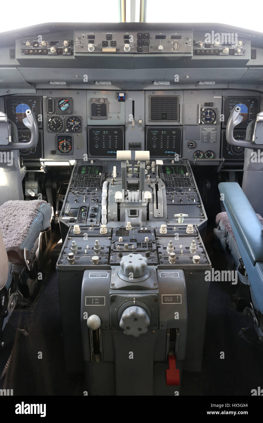 cockpit of a twin engined airliner - Stock Image