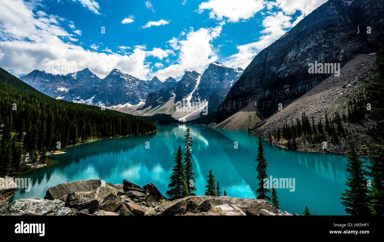 Tourquoise mountain lake - Stock Image
