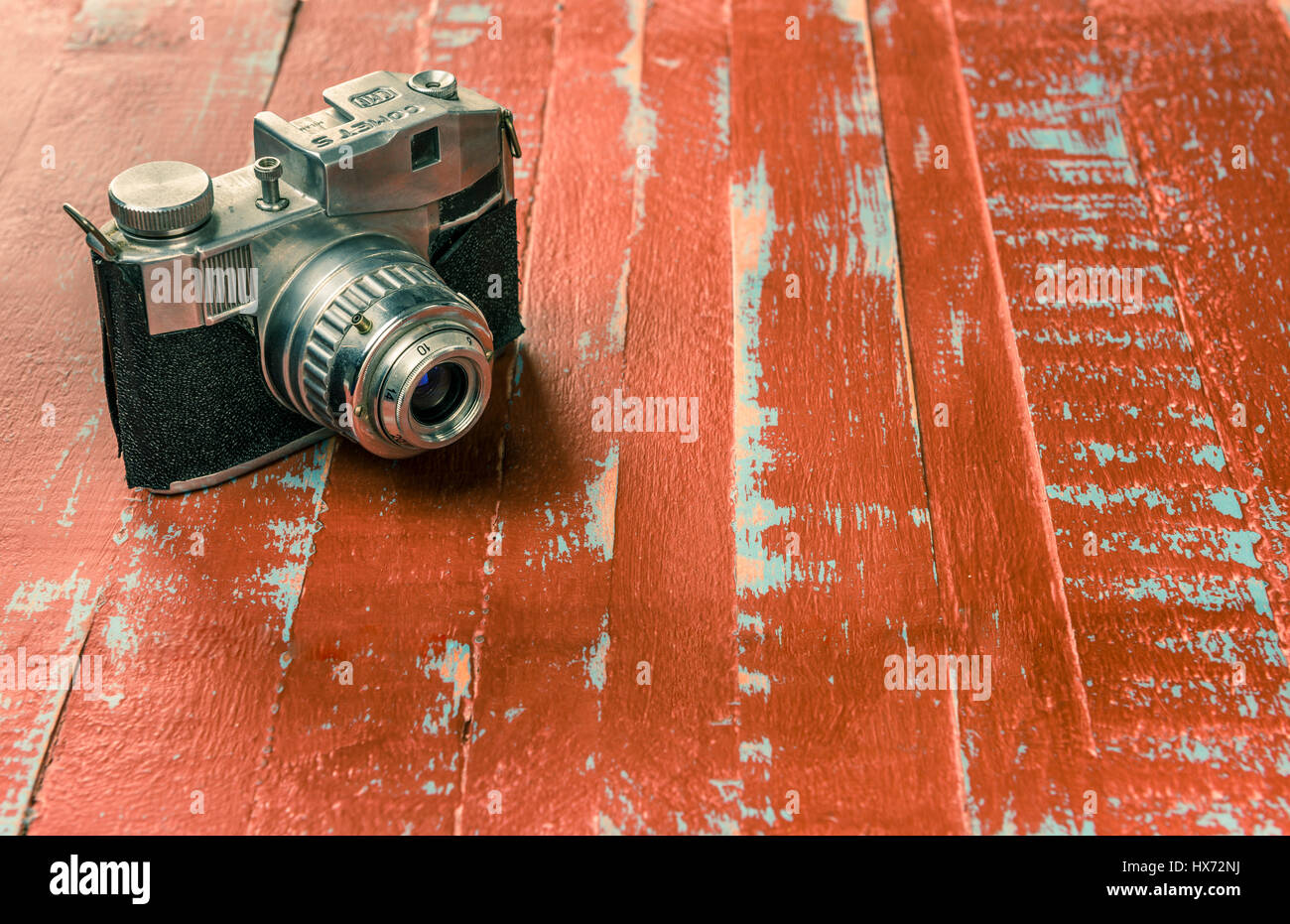 Bencini Comet S, 127 roll film camera, c1950 on painted blue and red wooden boards - Stock Image