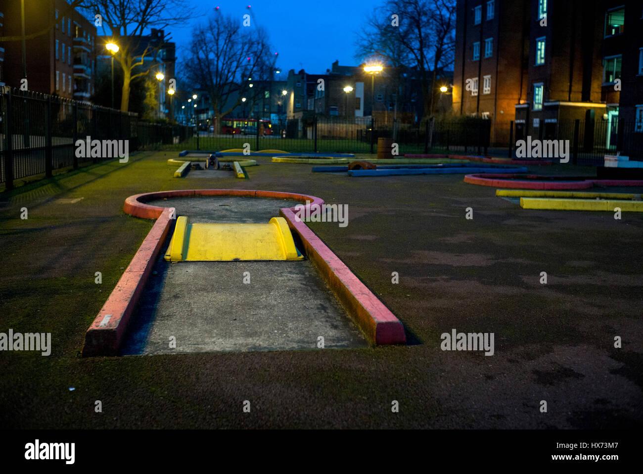 camden council estate crazy golf playground - Stock Image