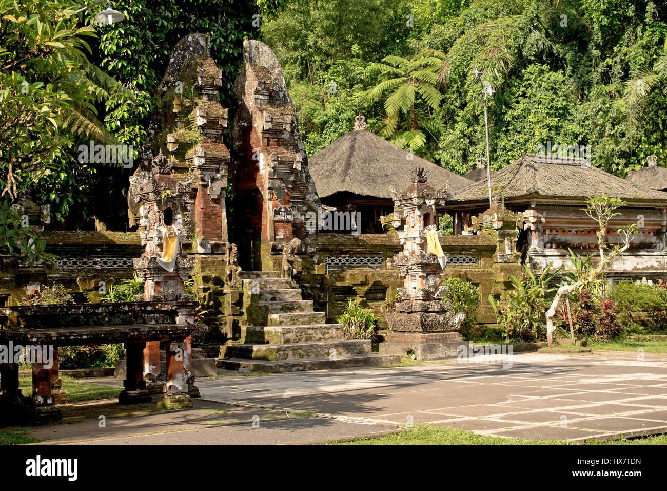 stone gate in Pura Tirta Empul, ubud temple, bali - Stock Image