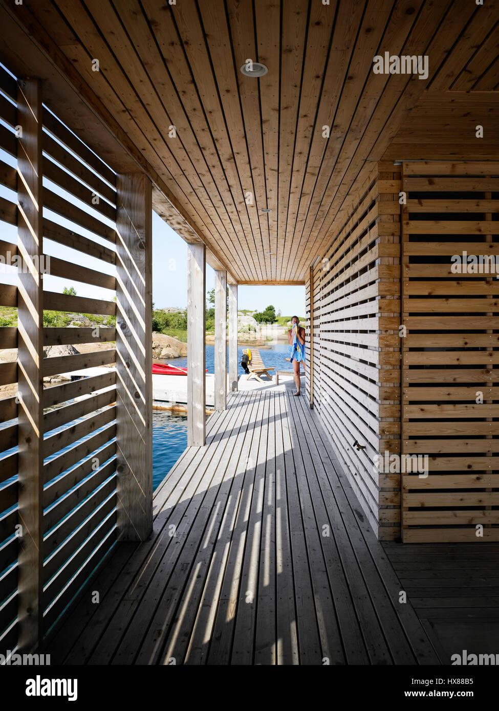 Cedar Siding In Lower Floor Outdoor Corridor Floating House