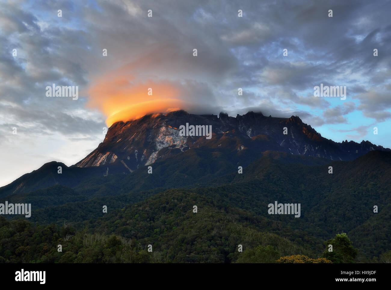 Sunset over Mount Kinabalu in Sabah Borneo, Malaysia. - Stock Image