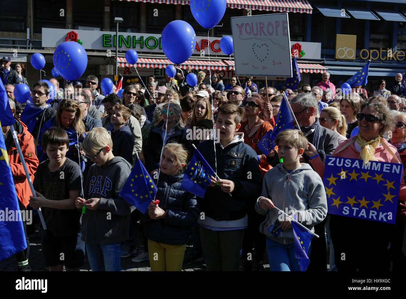 Frankfurt, Germany. 26th Mar, 2017. People protest in the city centre with European Union flags and balloons in - Stock Image