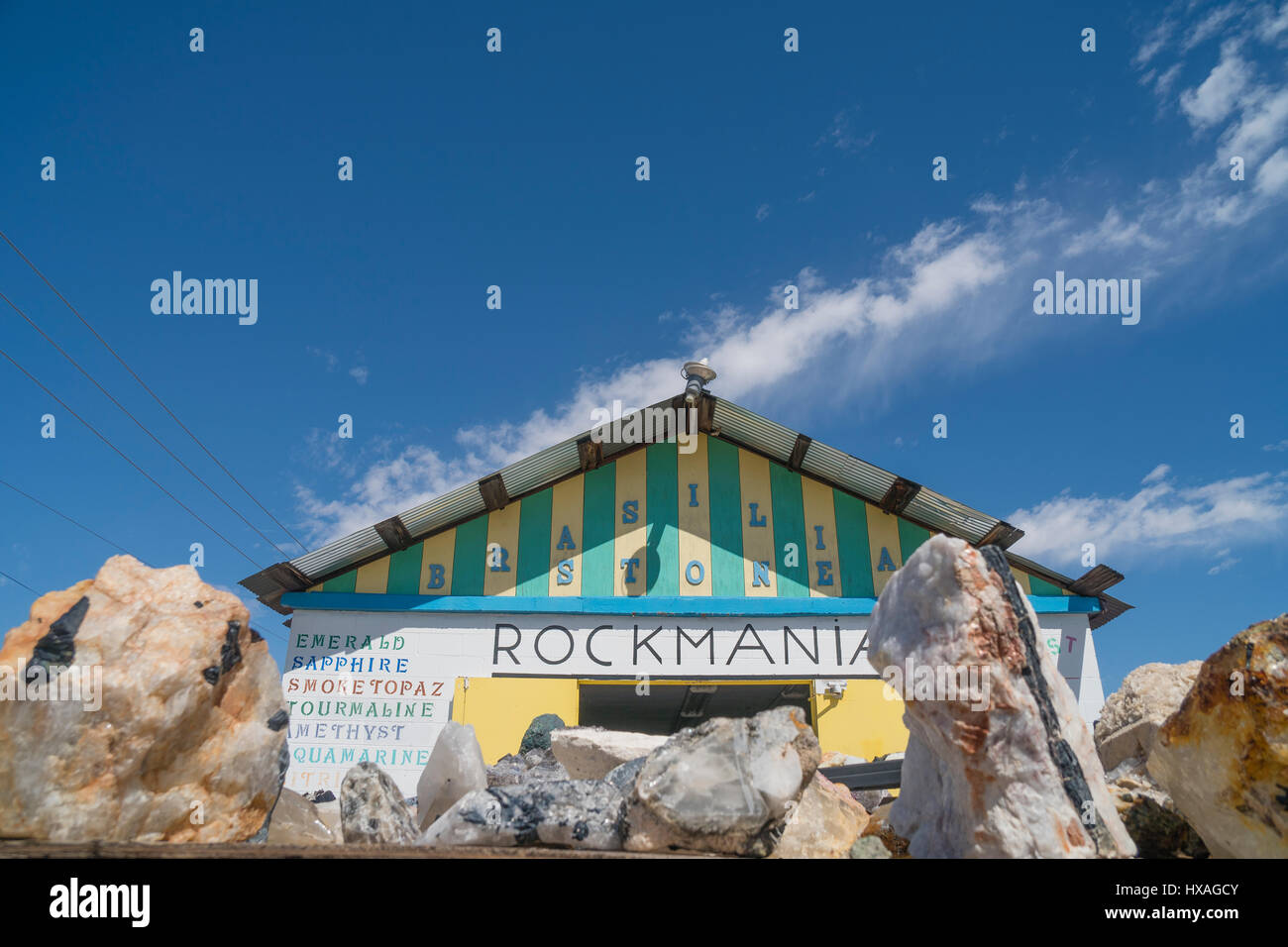 Rockmania in Quartzsite, Arizona is a vendor of exotic rocks and minerals. The main building is in the background - Stock Image