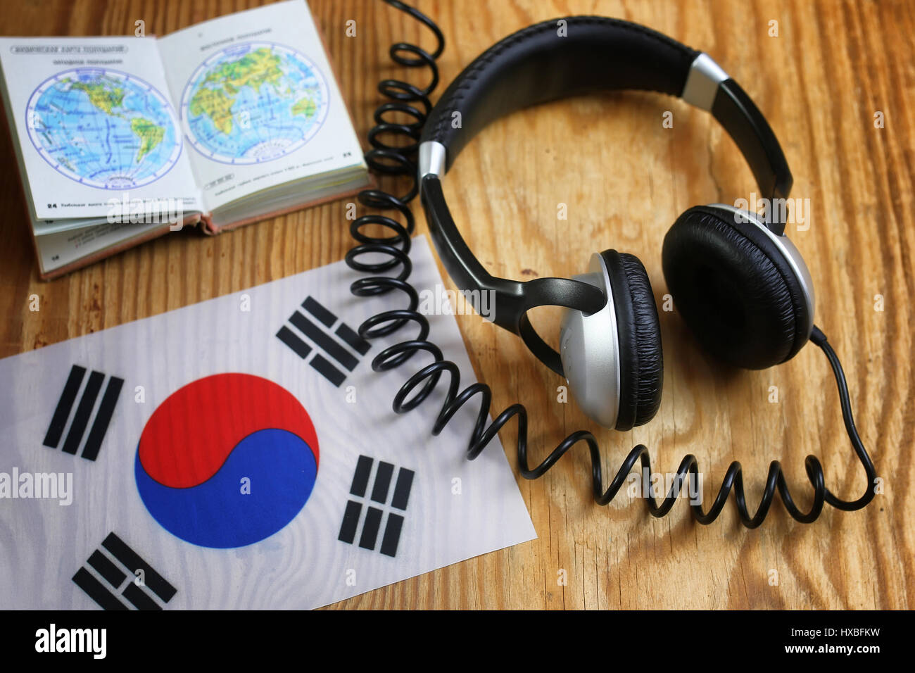 Headphone Symbol Stock Photos Images Alamy Headseet Kw Course Language And Flag On A Table Image