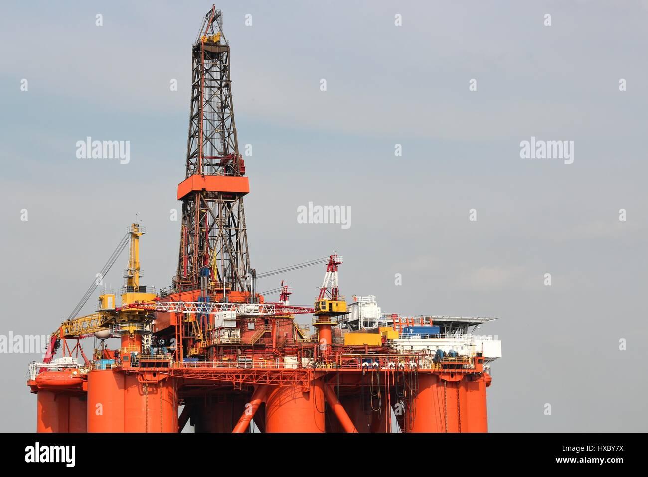 semi-submersible drilling rig Stock Photo