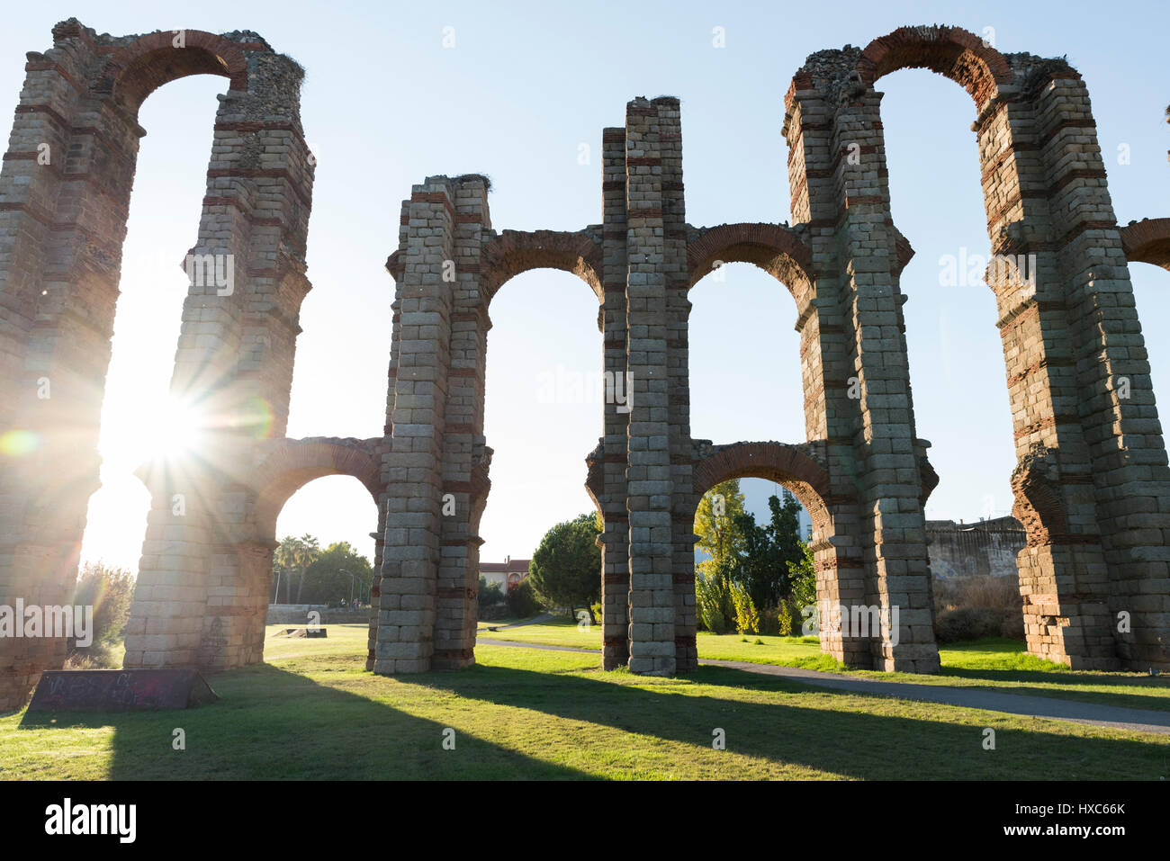 Roman aqueduct in Mérida - Stock Image