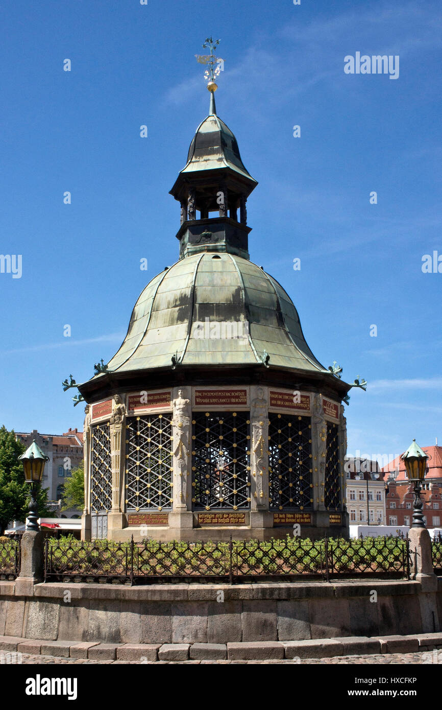 Pavilion water art on the marketplace of the Hanseatic town Wismar, Pavilion fountain on the square of the Hanseatic - Stock Image