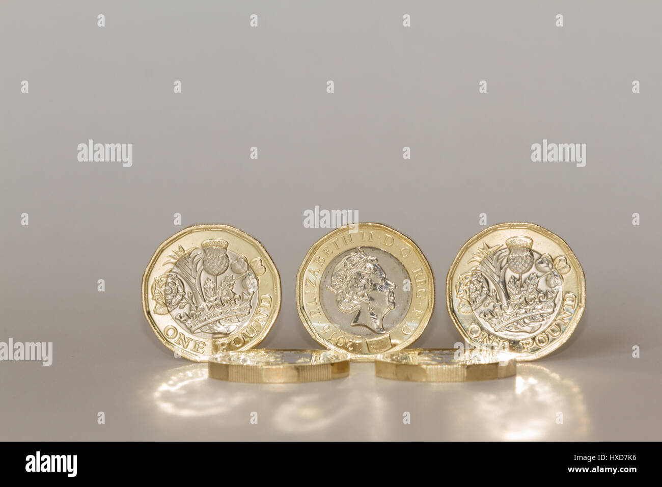 Newcastle upon Tyne, England, UK. Tuesday, 28 March, 2017. New British pound coin is issued. Credit: Andrew Nicholson/Alamy Stock Photo
