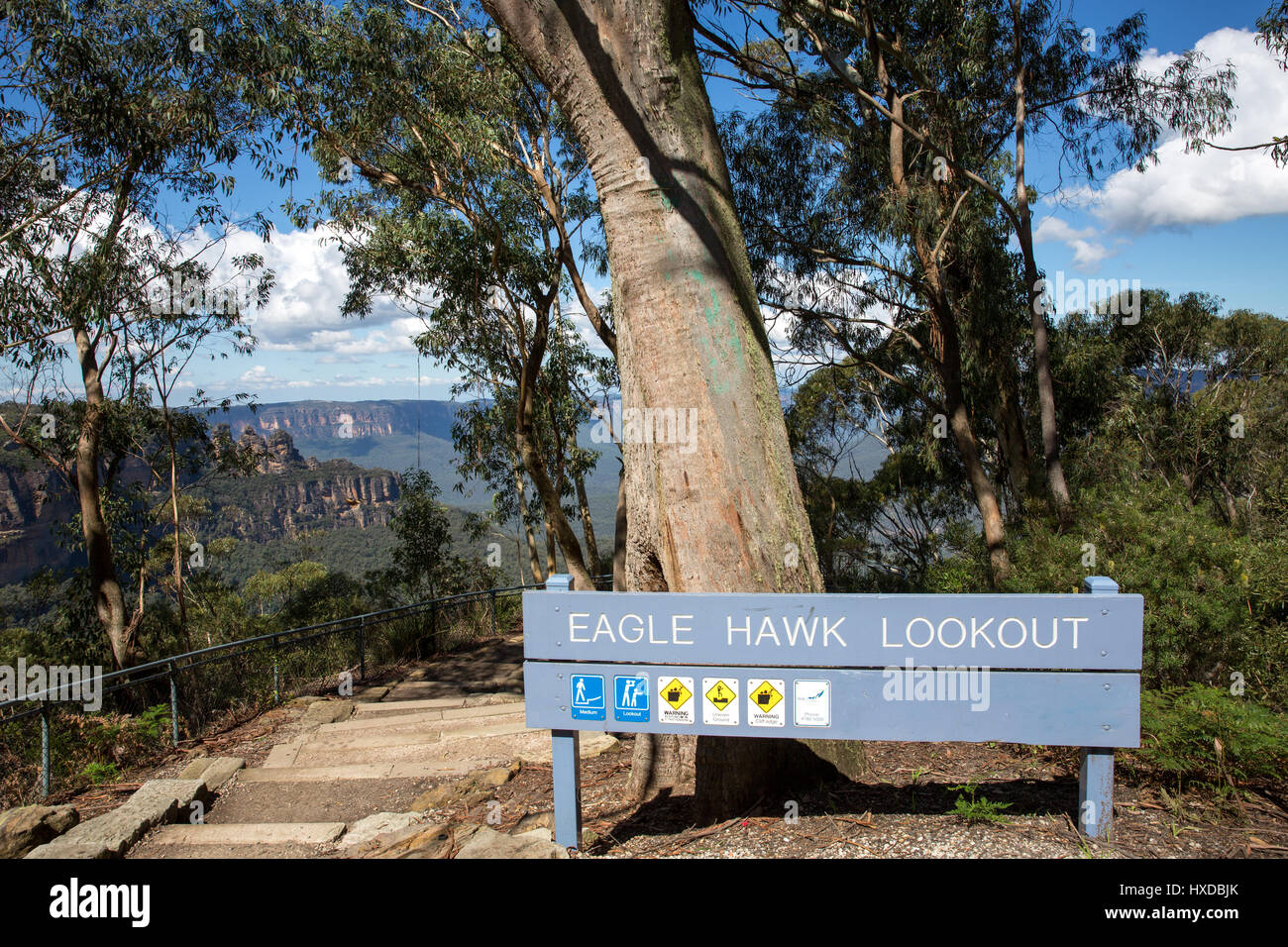 Eagle Hawk Lookout in Blue mountains national park, new south wales,Australia with three sisters in the background - Stock Image