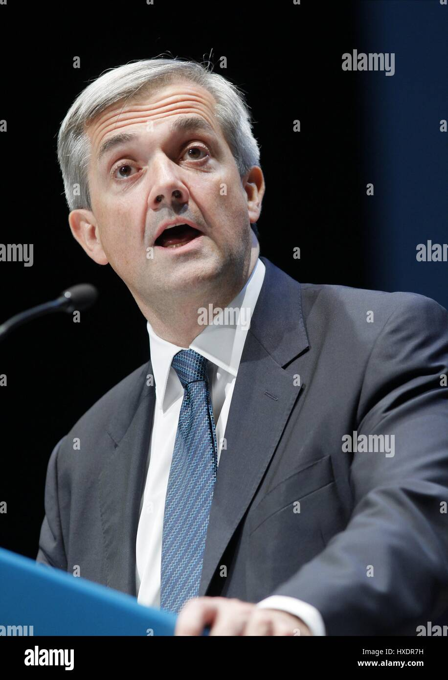 CHRIS HUHNE MP SECRETARY OF STATE FOR ENERGY 21 September 2010 THE AAC LIVERPOOL ENGLAND - Stock Image