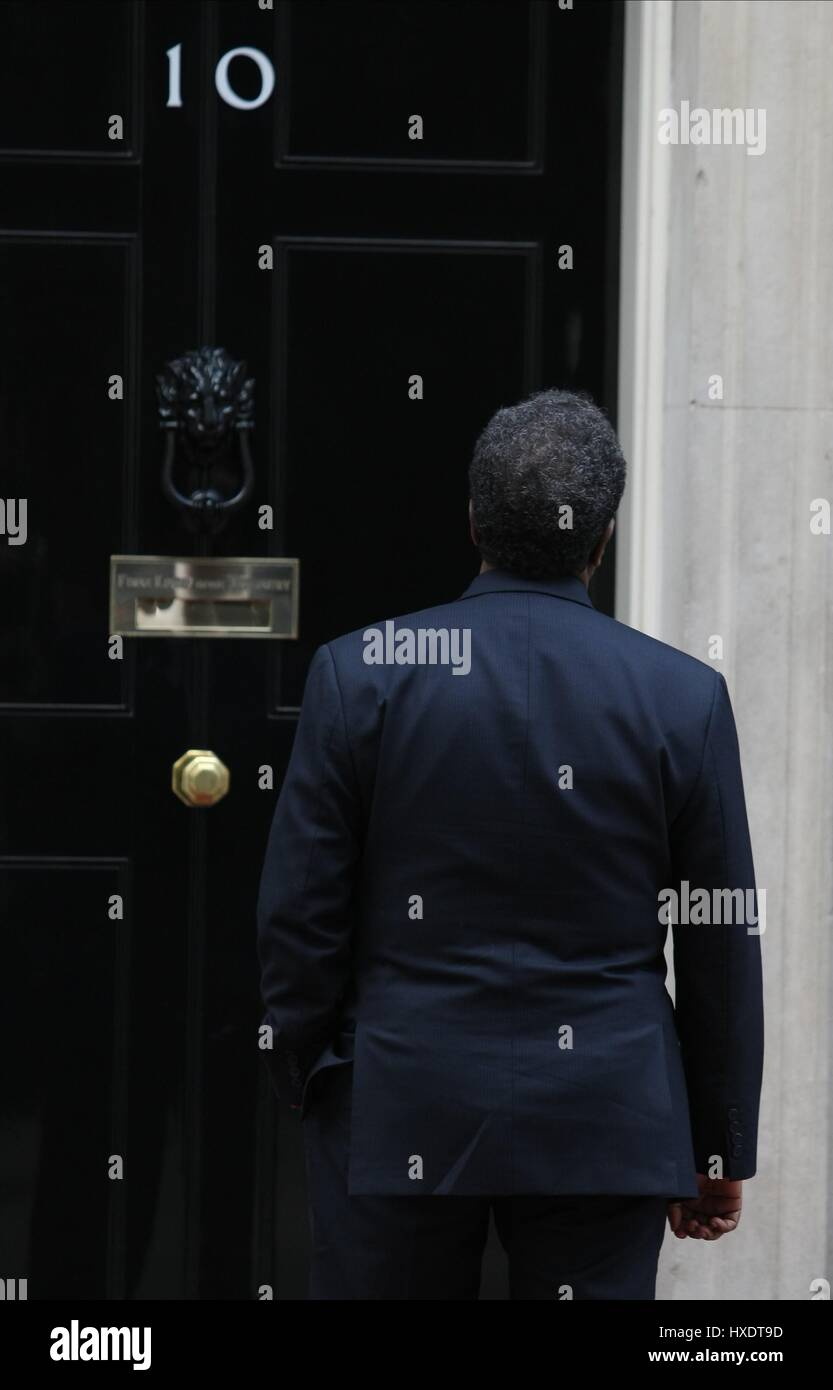 HASSAN SHEIKH MOHAMUD KEPT WAITING OUTSIDE NUMBER 10 PRESIDENT OF SOMALIA 04 February 2013 LONDON ENGLAND UK - Stock Image