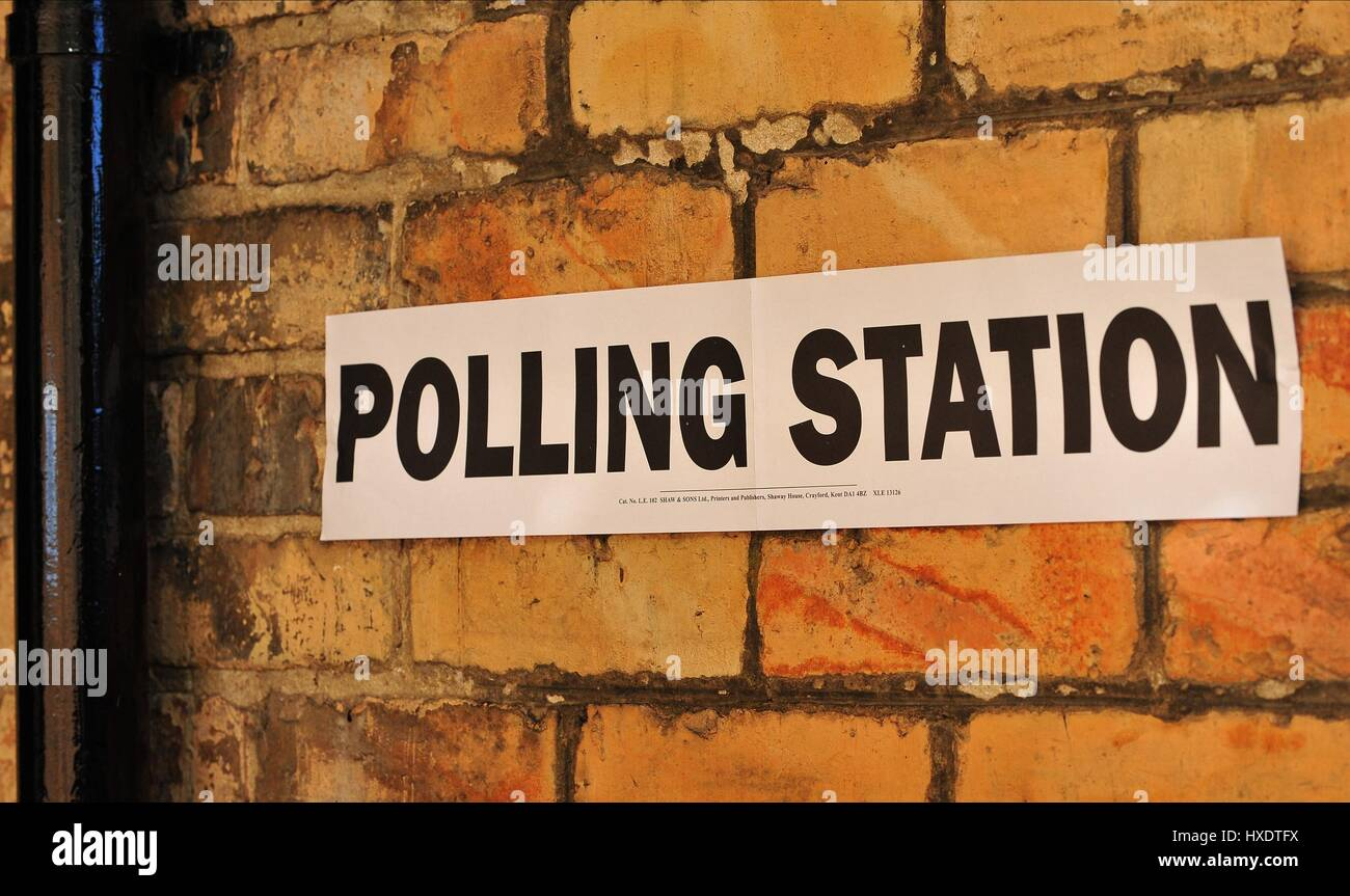 ALBERMARLE BAPTIST CHURCH POLLING STATION POLLING DAY SCARBOROUGH 2015 07 May 2015 ALBEMARLE CRESCENT SCARBOROUGH - Stock Image