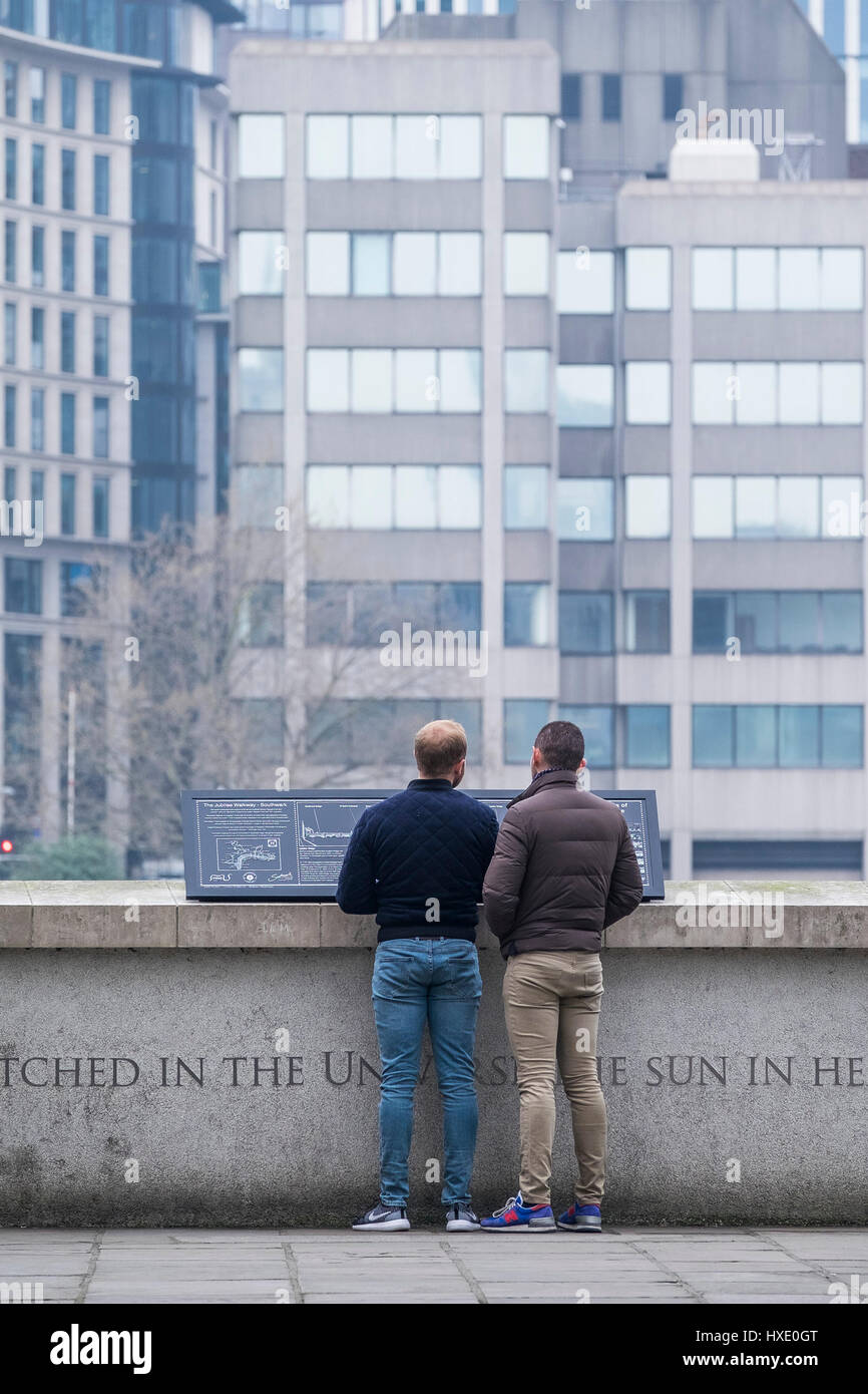 Tourists Sightseers Sightseeing Two Men Males Friends London - Stock Image