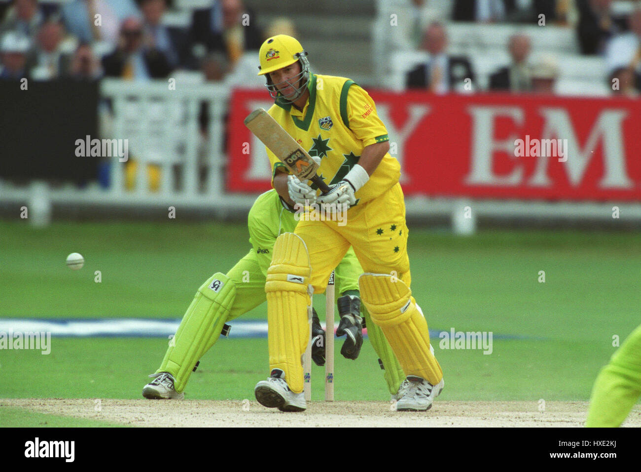 MARK WAUGH ON HIS WAY TO 37 PAKISTAN V AUSTRALIA 20 June 1999 - Stock Image