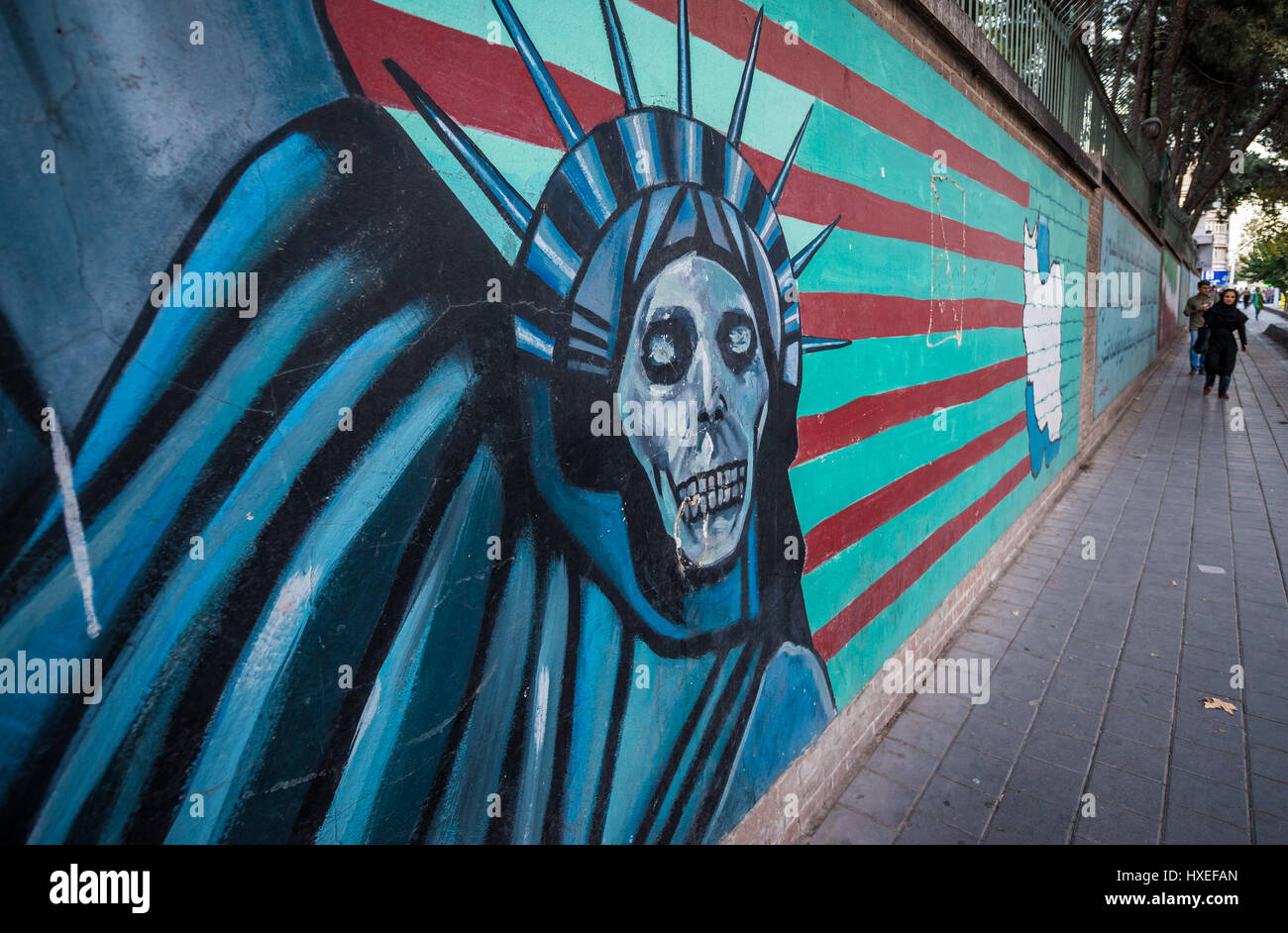 Statue Of Liberty Death Mask Anti American Graffiti On The Wall Of The Former Us