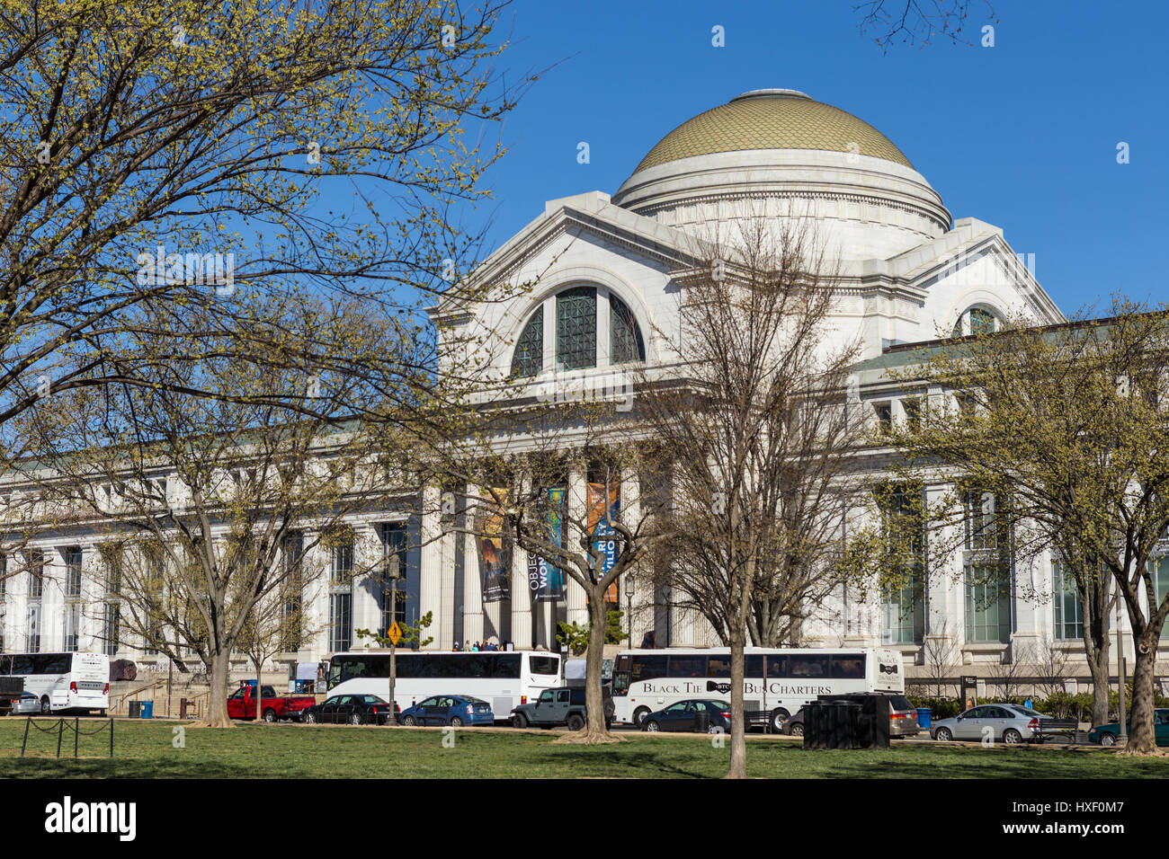 A view of the Neo-classical National Museum of Natural History on the National Mall in Washington, DC. - Stock Image