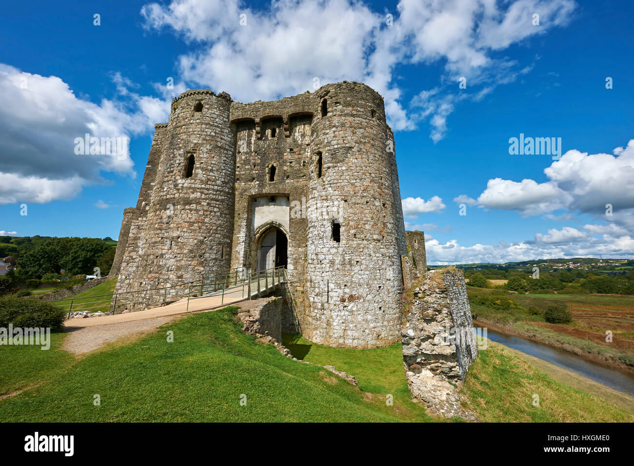 Gate towers of the Medieval Norman Kidwelly Castle, Kidwelly, Carmarthenshire, Wales. - Stock Image