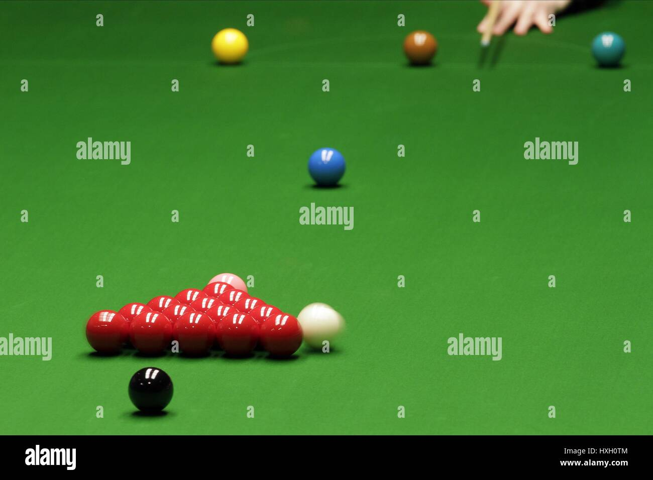 CUE BALL DURING BREAK WORLD SNOOKER CHAMPIONSHIP WORLD SNOOKER CHAMPIONSHIP THE CRUCIBLE SHEFFIELD ENGLAND 20 April Stock Photo