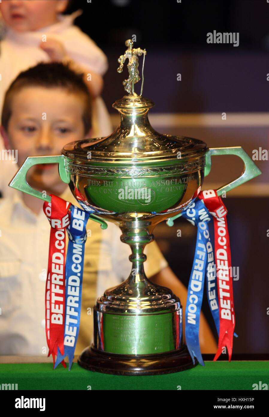 WORLD CHAMPIONSHIP TROPHY WORLD SNOOKER CHAMPIONSHIP THE CRUCIBLE SHEFFIELD ENGLAND 04 May 2009 - Stock Image