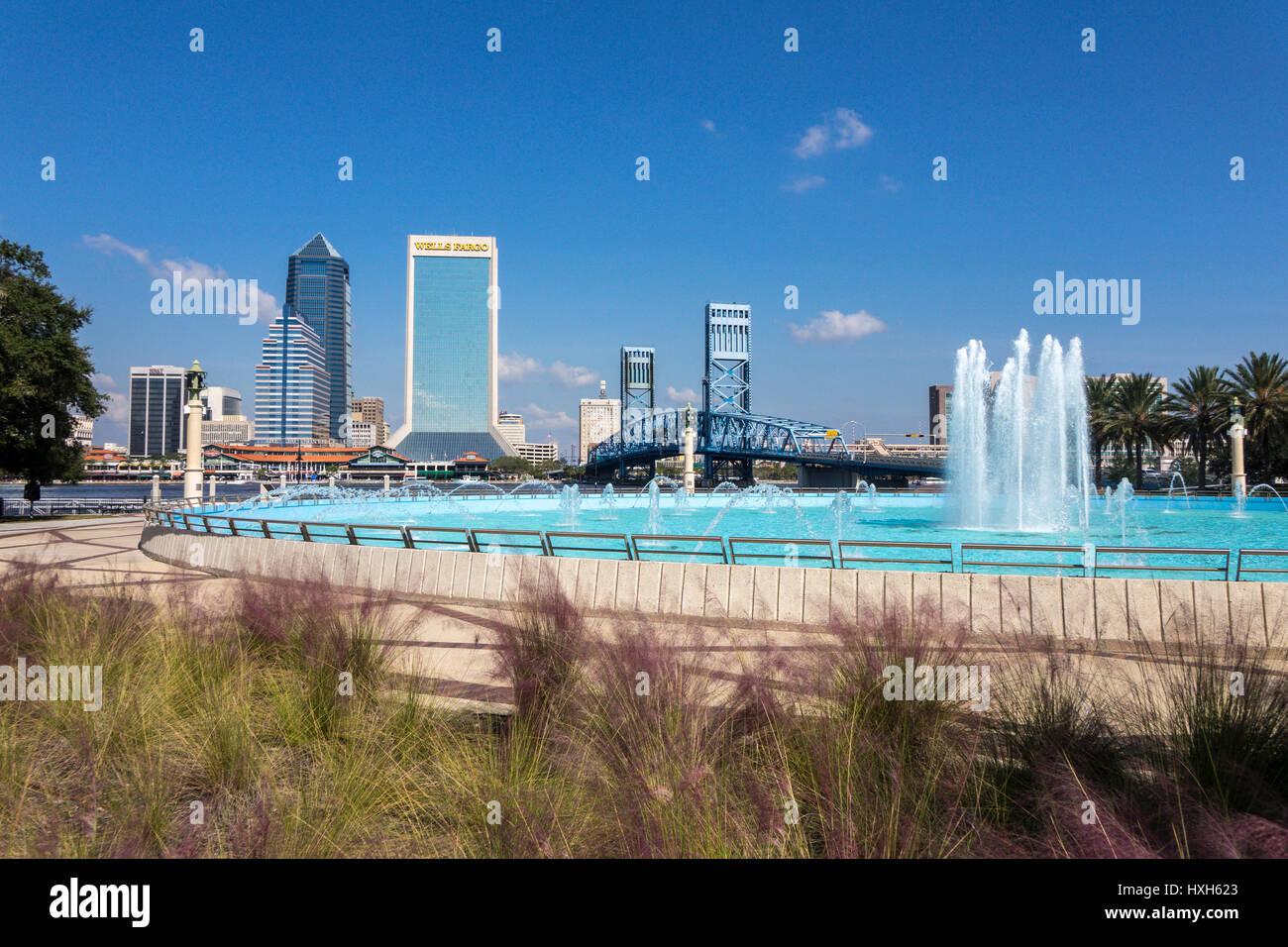 Jacksonville skyline, Friendship Fountain, Florida, USA Stock Photo
