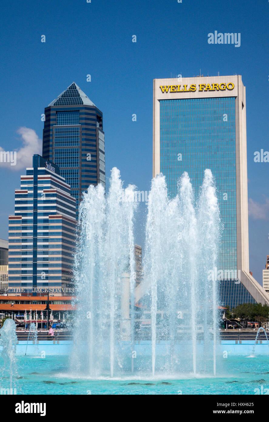 Jacksonville skyline over Friendship Fountain, Florida, USA Stock Photo