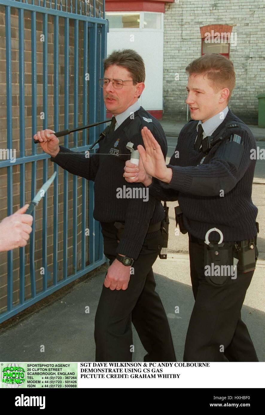 SCARBOROUGH POLICE TEST CS CS SPRAY TEST 04 April 1996 - Stock Image