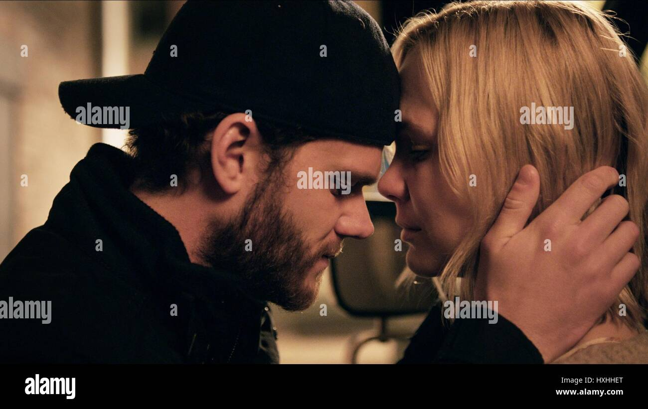 JOSEPH CROSS & ADELAIDE CLEMENS THE AUTOMATIC HATE (2015) - Stock Image