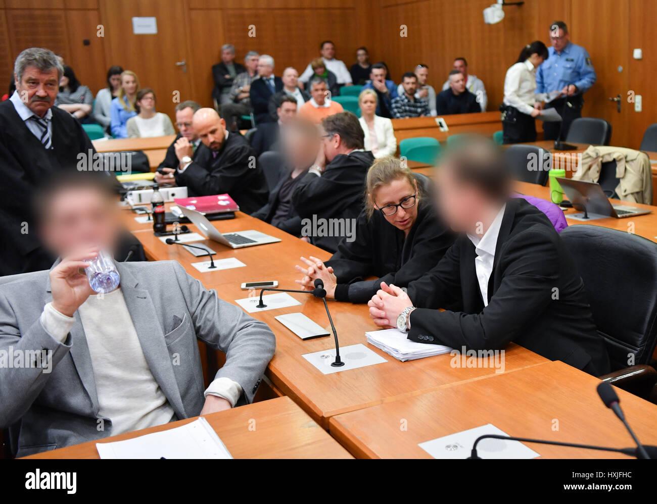 Frankfurt, Germany. 29th Mar, 2017. Stephan S. (4-L) and Jonas K. (R), the founders of the Frankfurt-based real Stock Photo