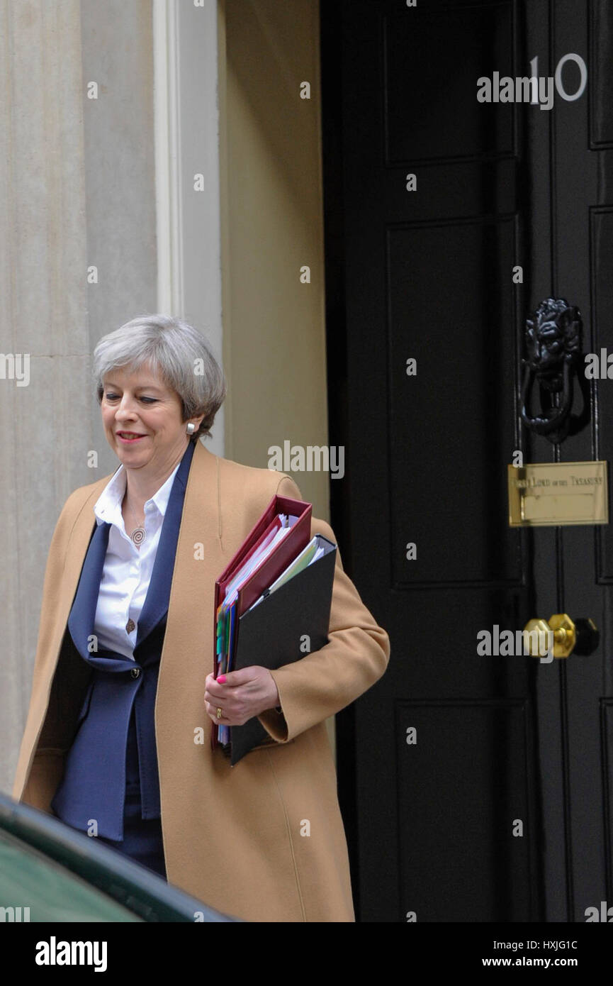 London, UK. 29th Mar, 2017. Theresa May, Prime Minister, leaves Downing Street en route to the Houses of Parliament - Stock Image