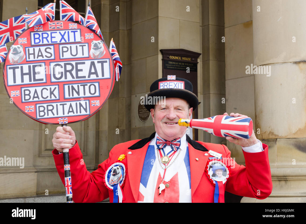Birmingham, UK. 29th Mar, 2017. Brexit supporter 'John Bull' celebrates the triggering of Article 50 by - Stock Image