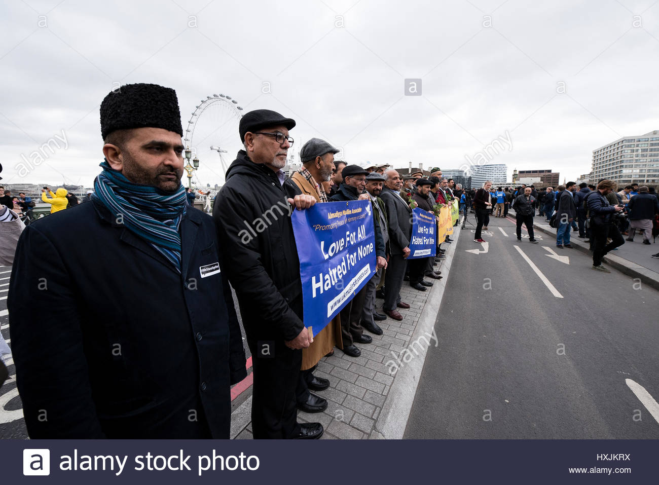 Westminster Bridge, London, UK. 29th March 2017. One week after the London terror attack, members of the Metropolitan - Stock Image