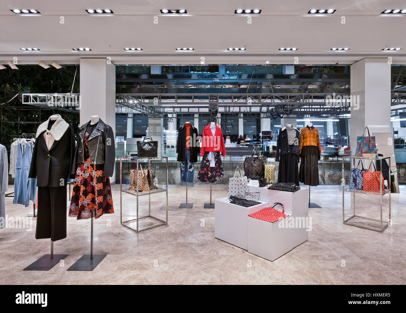 Fashion boutique in 'Tsvetnoy' shopping mall in Moscow - Stock Image