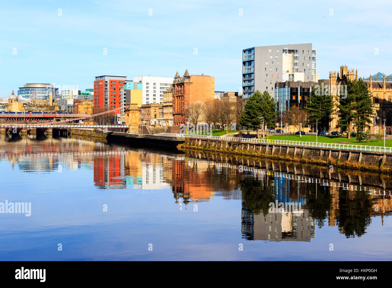 River Clyde at the Broomielaw with the financial district and the Caledonian Railway Bridge, Glasgow, Scotland, - Stock Image