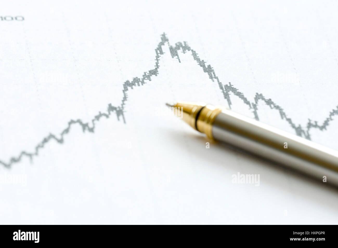 Wertpapierchart with ballpoint pen, Wertpapierchart mit Kugelschreiber - Stock Image