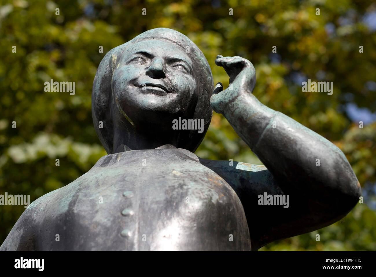 Germany, Bavaria, Munich, statue of the actress Liesl Karl's town in the Viktualienmarkt, Deutschland,Bayern,München,Statue - Stock Image