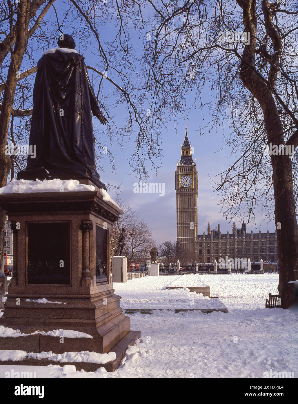 Parliament Square and Big Ben in snow, City of Westminster, Greater London, England, United Kingdom - Stock Image