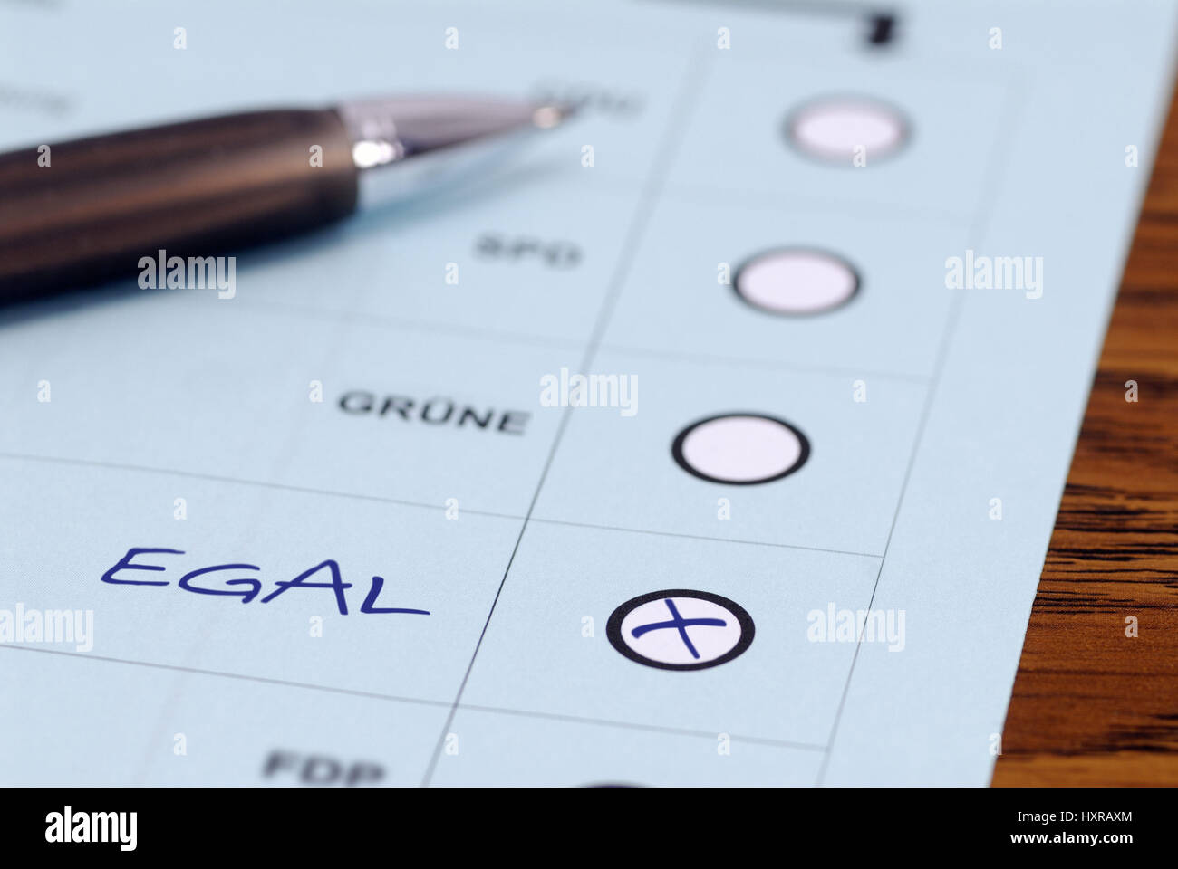 Electoral slip of paper with cross with all the same, electoral tiredness, Wahlzettel mit Kreuz bei egal, Wahlmüdigkeit - Stock Image