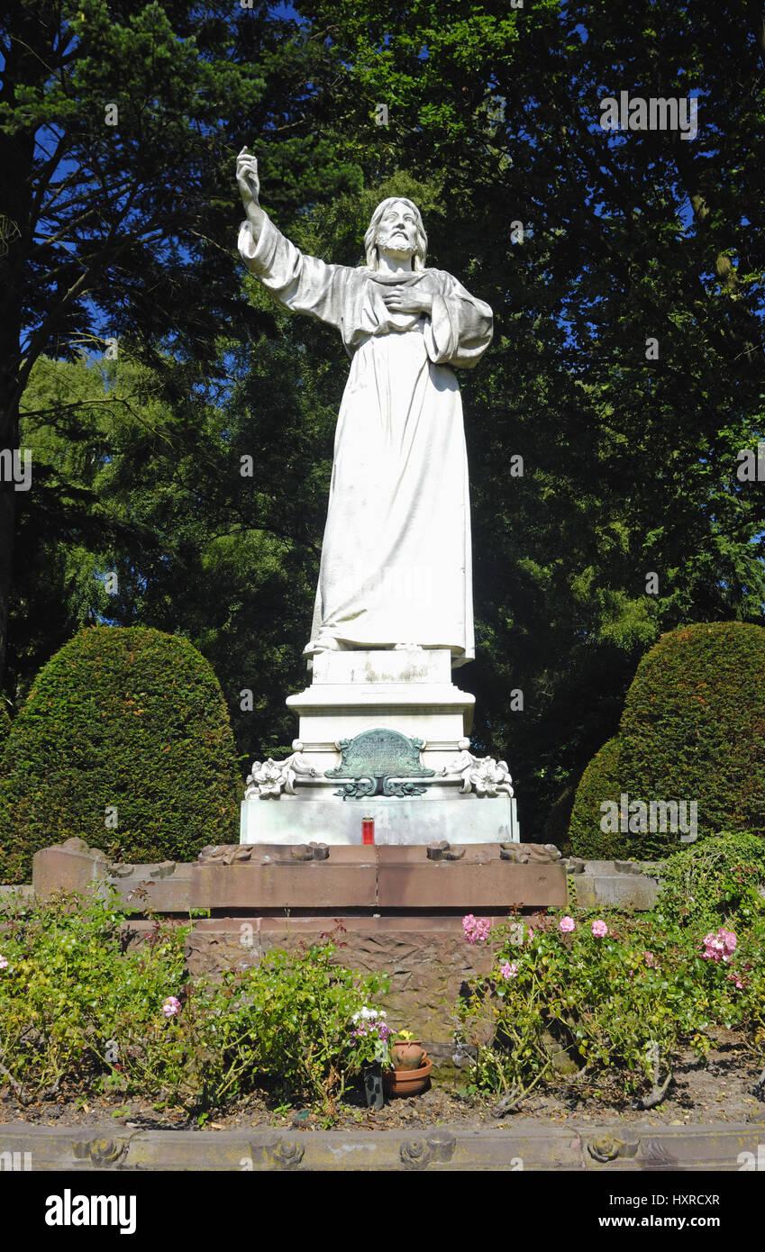 Jesus-Statue on the Ohlsdorfer cemetery in Hamburg, Germany, Europe, Jesus-Statue auf dem Ohlsdorfer Friedhof in Stock Photo