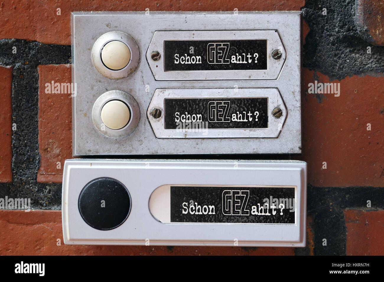 Three bells with the GEZ slogan Already Paid? GEZ delivery per household, Drei Klingeln mit dem GEZ-Slogan Schon Stock Photo