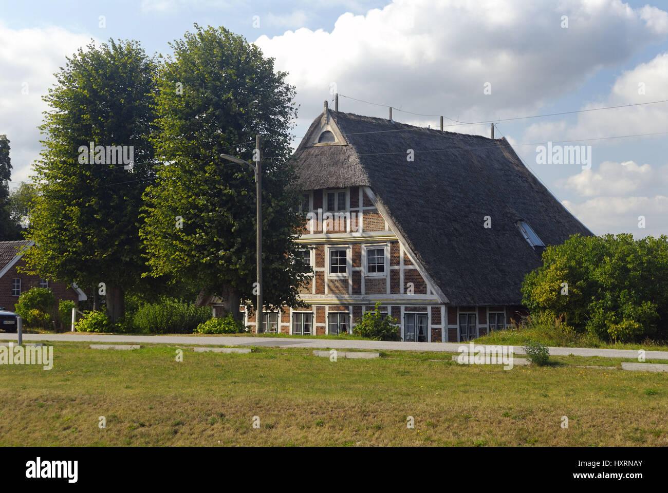 Half-timbered house in old narrow nurse, Hamburg, Germany, Europe, Fachwerkhaus in Altengamme, Deutschland, Europa Stock Photo