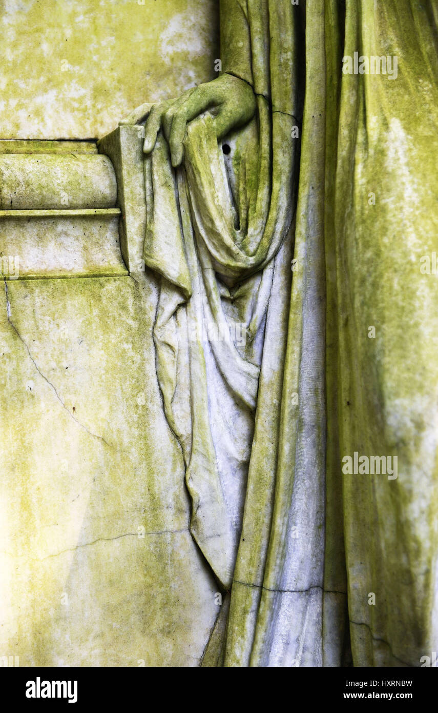 Hand searches hold, detail of a grave statue on the Ohlsdorfer cemetery in Hamburg, Germany, Europe, Hand sucht Stock Photo