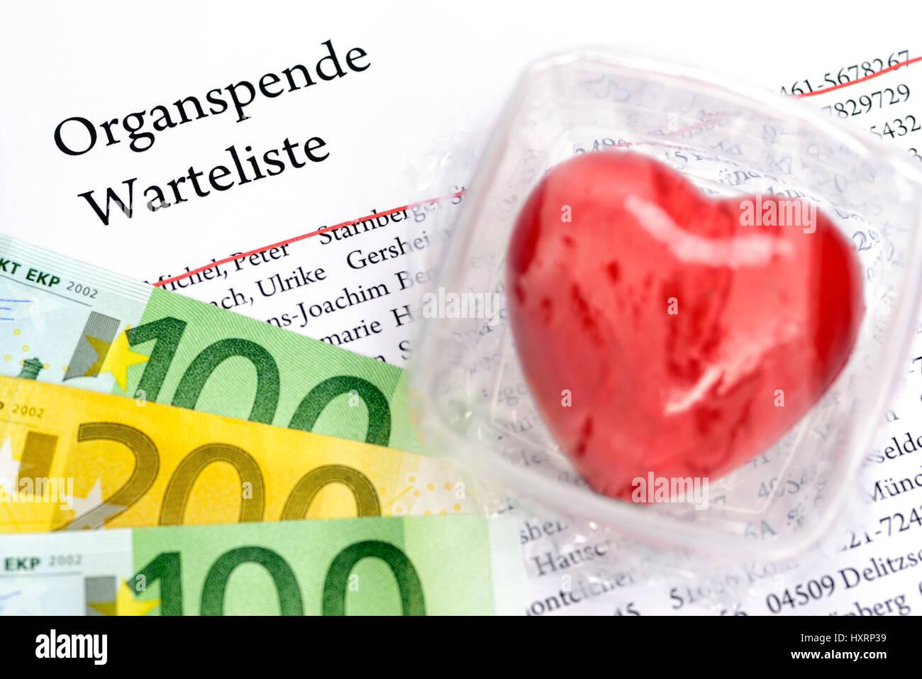 Heart in fresh hold box and organ donation vantage point list, symbolic photo organ donation, Herz in Frischhaltebox - Stock Image