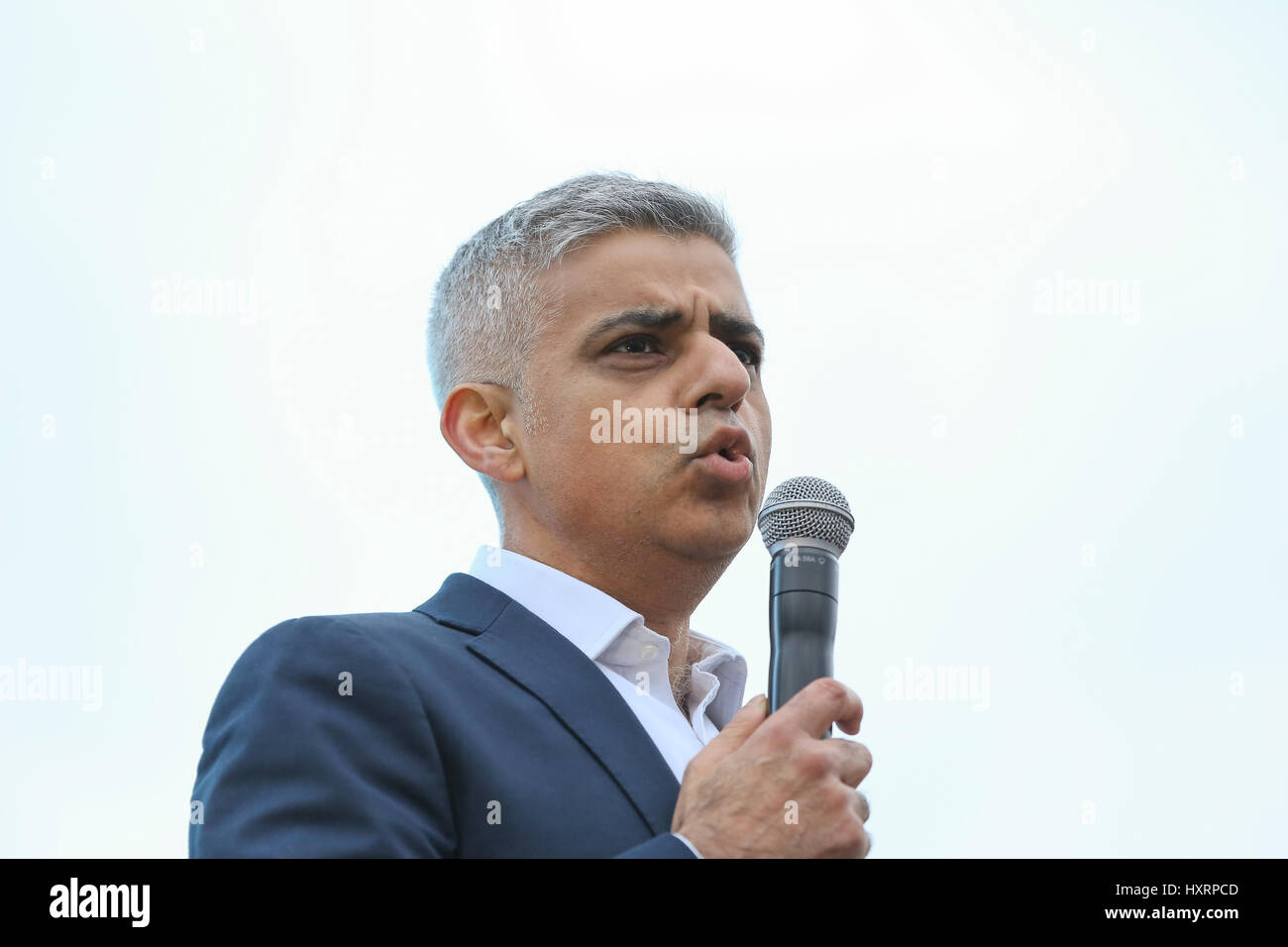 Mayor of London Sadiq Khan addressing the hundreds of people attending the screening of 'The Salesman' in - Stock Image