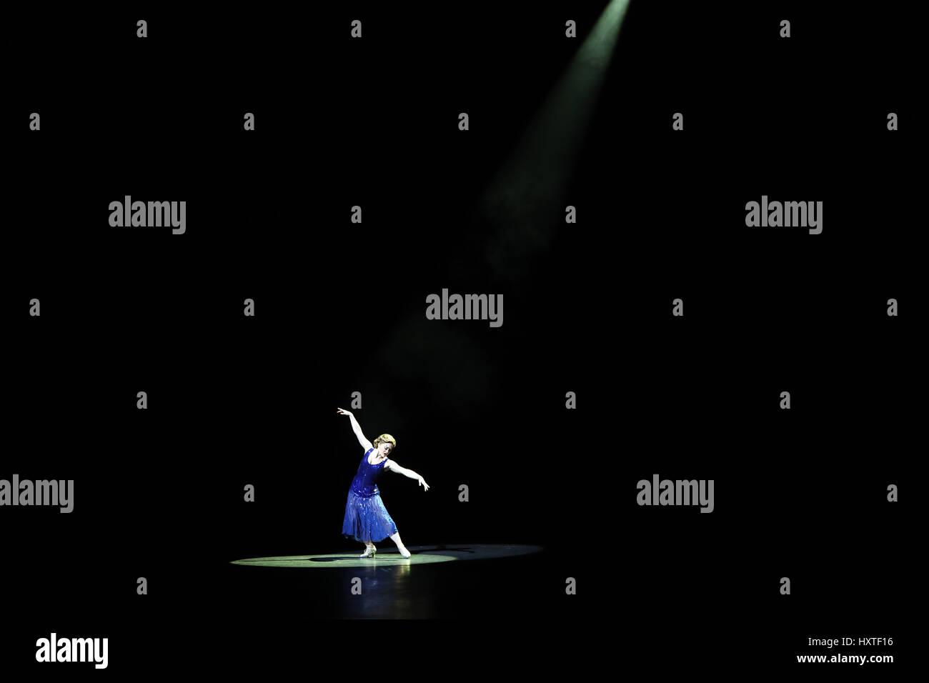 London, UK. 30th Mar, 2017. Pic shows: 42nd Street show at Theatre Royal Drury Lane starring Jasna Ivir as Maggie - Stock Image