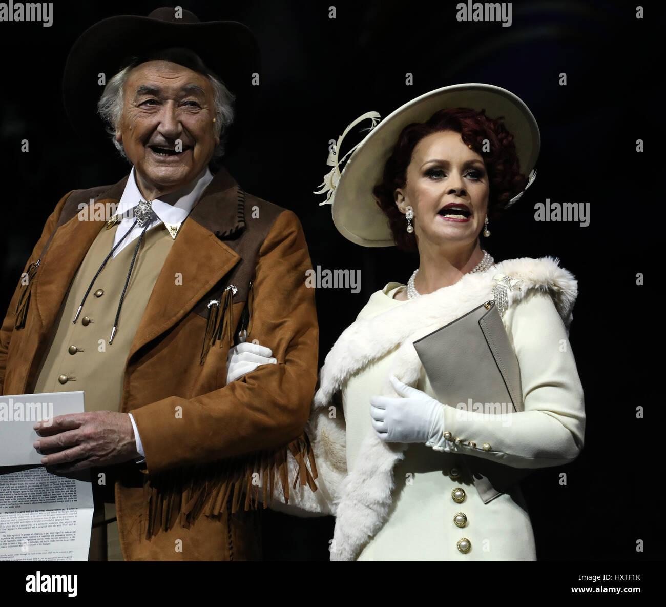 London, UK. 30th Mar, 2017. Pic shows: 42nd Street show at Theatre Royal Drury Lane starring Sheena Easton as Dorothy - Stock Image