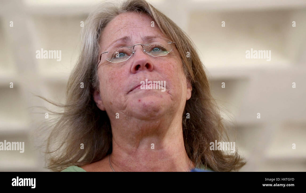 West Palm Beach, Florida, USA. 30th Mar, 2017. Lydia Adams speaks with reporters at the Federal Courthouse in West - Stock Image